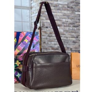 ✨AUTHENTIC✨ Louis Vuitton Reporter Bag